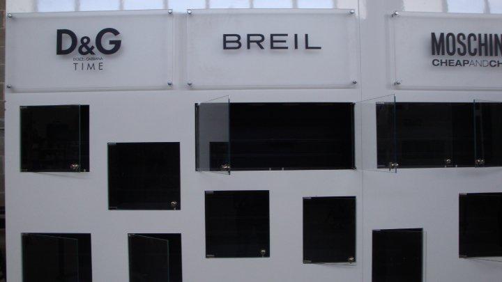 REALIZZAZIONE NEGOZIO BREIL BARI (5)
